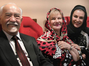 عکسی از زنده یاد ماه چهره خلیلی در کنار پدر و مادرش