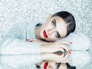 ظرافت زنانه : چگونه در رفتار خود ظرافت های زنانه داشته باشیم ؟