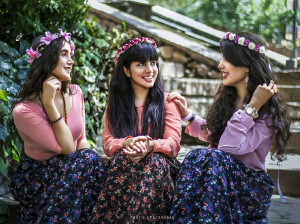 1 + 12 شعر روز دختر | عاشقانه ترین و زیباترین اشعار به مناسبت روز دختر