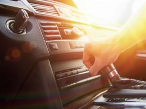 ۱۰ عاملی که باعث لرزش دنده خودرو می شود !