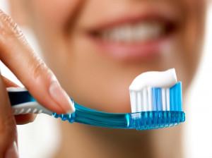 معرفی 6 خمیردندان معجزه گر برای درخشیدن دندان ها