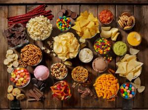 لیست کامل تنقلات و خوراکی های سیزده بدر