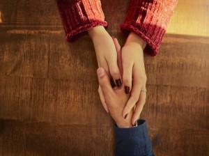 15 متن ناب عاشقانه برای تبریک روز جهانی دوست به همسر