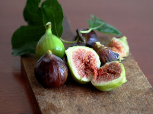 طبع انجیر : میوه انجیر (خشک و تازه) گرم است یا سرد ؟