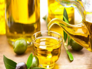 با ارزش غذایی و خواص حیرت انگیز روغن زیتون آشنا شوید