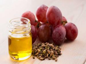 با ارزش غذایی و خواص روغن هسته انگور آشنا شوید