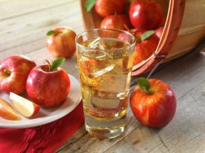 معرفی کامل ارزش غذایی و خواص بینظیر آب سیب
