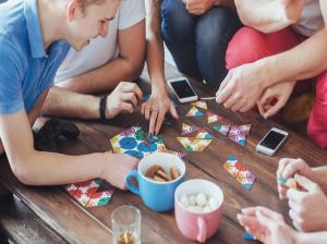 معرفی ۱۰ سرگرمی فوق العاده برای بزرگسالان در قرنطینه کرونا