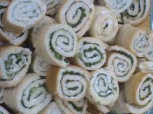 رولت نان و پنیر و سبزی