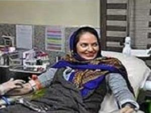 عکس مهناز افشار درحال اهدای خون