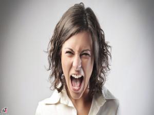 علت خستگی و عصبانیت مزمن خانمها چیست؟+ چند راهکار درمانی