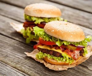 روشی ساده برای تهیه ی همبرگر خانگی
