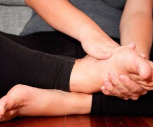 درمان ورم پا در بارداری به روش های ساده و خانگی
