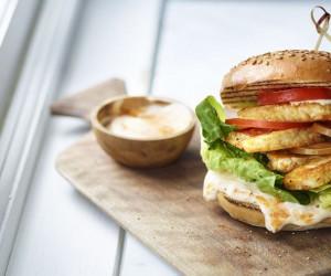 طرز تهیه 3 مدل همبرگر مرغ مخصوص