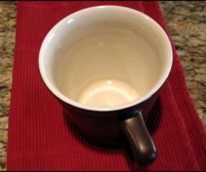 آموزش پاک کردن لکه چای و قهوه از روی فنجان