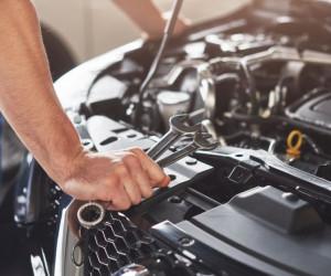 بررسی علت لرزش خودرو در هنگام حرکت
