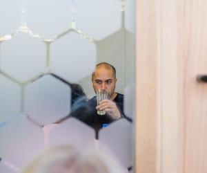 شیشه های مات شونده چه کاربردی در محیط اداری دارند؟