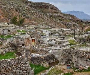 روستای سنگی لیوس دزفول (زندگی در دل سنگ)