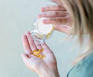 علائم و عوارض ناشی از مسمومیت با ویتامین E