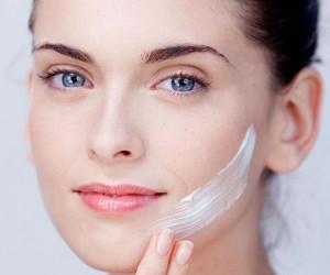 چگونه از پوست چرب مراقبت کنیم ؟