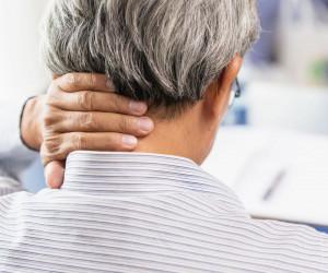 چرا به طور ناگهانی دچار درد گردن و شانه می شویم؟