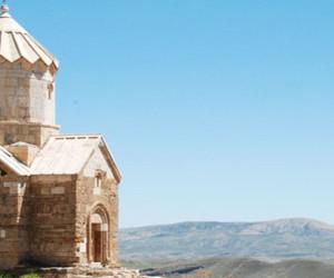 معروف ترین کلیساهای ایران در کجا هستند؟