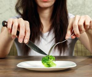 چیکار کنیم کم غذا بخوریم ولی سیر شویم؟