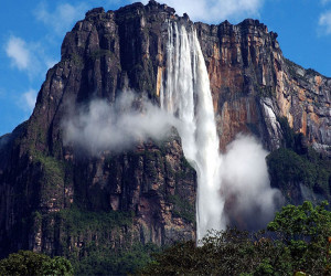 آبشار آنجل یا آبشار آنخل کجاست ؟
