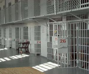 با عجیب ترین زندان های دنیا آشنا شوید