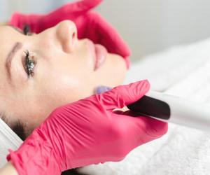 فرق میکرونیدلینگ و مزونیدلینگ (مزوتراپی) درجوانسازی پوست چیست؟
