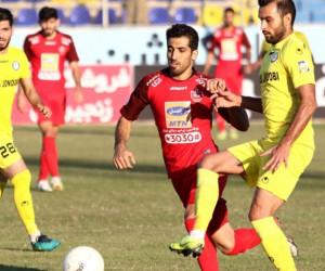 برد پرسپولیس در ماهشهر با یک بازی پر حاشیه