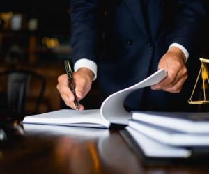 چگونه وکیل خود را از وکالت عزل کنیم ؟