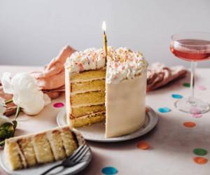 30 ایده شیک، لاکچری، باکلاس و کم هزینه تزیین میز تولد