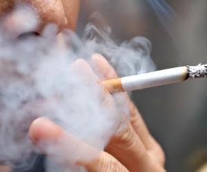 آیا کشیدن سیگار/ قلیون روزه را باطل می کند ؟