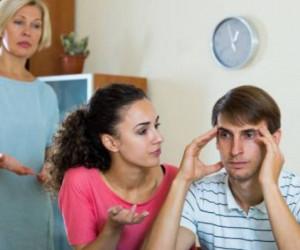 10 قانون مهم برای زندگی در کنار خانواده همسر
