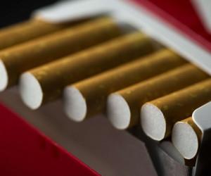 ساخت سیگار تقلبی از خاک اره