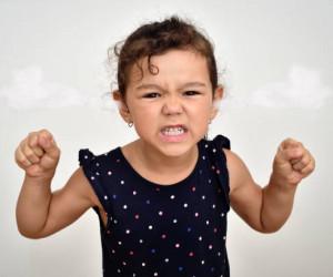 کودک بهانه گیر   درمان بهانه گیری کودک