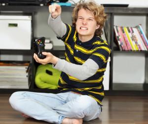 تاثیر بازی های کامپیوتری بر خشونت کودکان و نوجوانان