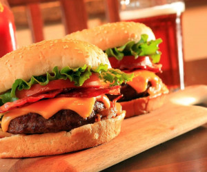 روز جهانی همبرگر در تقویم چه روزی است ؟