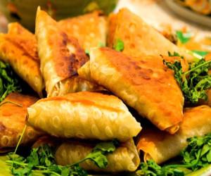 طرز تهیه سمبوسه گوشت و سیب زمینی خوشمزه و لذیذ