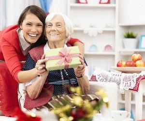 20 متن و پیام تبریک پیشاپیش روز مادر به مادر بزرگ