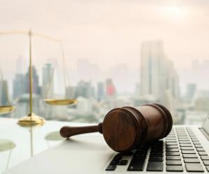 10 متن تبریک روز وکیل به انگلیسی همراه با ترجمه