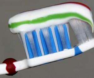نقش خمیر دندان در سلامت دندان ها