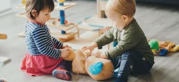 از اهمیت رنگ ها به هنگام خرید اسباب بازی غافل نشوید
