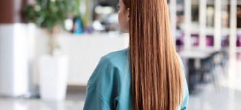 پروتئین تراپی چگونه به صافی و احیا مو کمک می کند؟