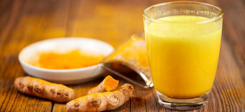 طرز تهیه شیر زنجبیل و خاصیت این نوشیدنی خوشمزه برای سلامت بدن