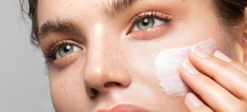 ۱۰ کرم ضد لک قوی برای از بین بردن لک های پوستی مناسب پوست های حساس