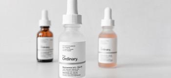 سرم روشن کننده نیاسینامید و زینک اوردینری جهت درمان : آکنه ، درمان لک و جوش