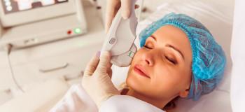 اسکوم تراپی چیست و چه تاثیری بر سلامت و زیباسازی پوست دارد ؟