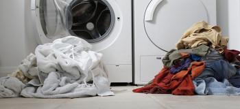 فرق ماشین لباسشویی بدون تسمه با لباسشویی با تسمه چیست؟